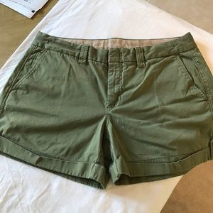Banana Republic weekend stretch shorts size 14